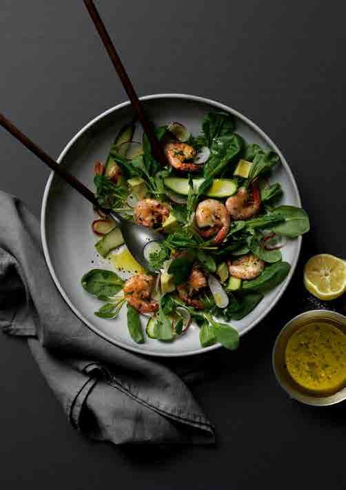 Frischer Salat Mit Garnelen Und Avocado