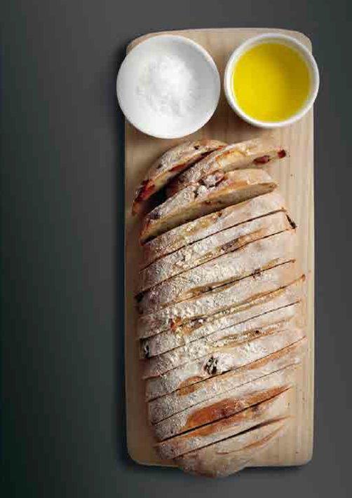 Selbst Gebackenes Brot Mit Speckwürfeln