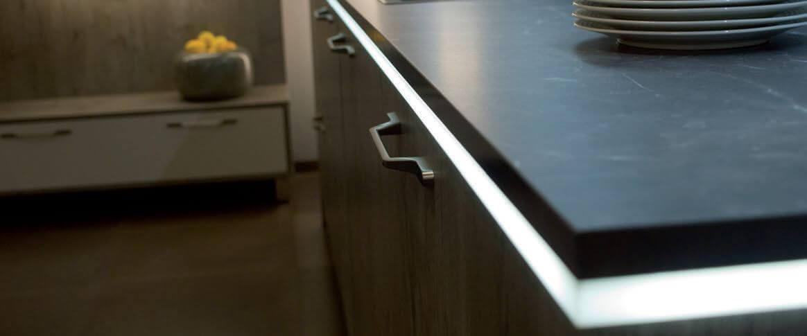 Sockel Beleuchtung Flex Stripes